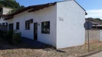 Cod. 2083 - Casa na Estrada Nova